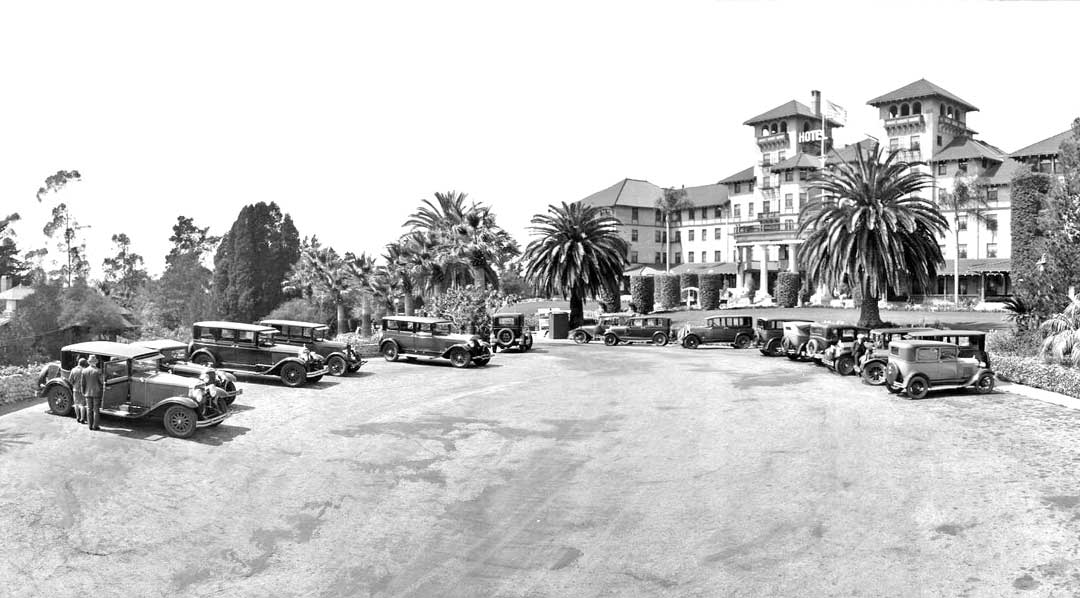 Raymond-Hotel-Pasadena-1920s-Cars-4